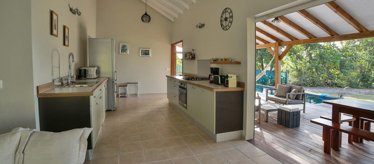 Cuisine équipée, villa Jacaranda - Location Villa à Marie Galante