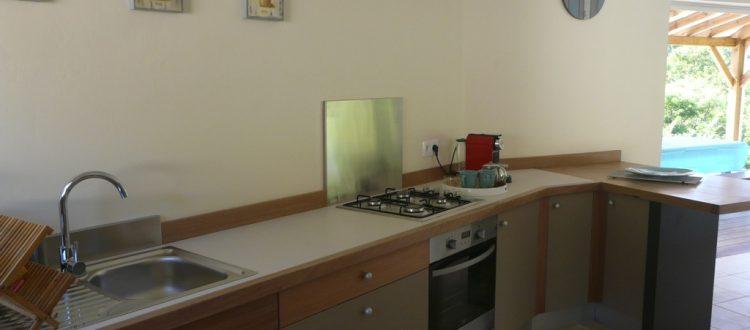 Grande cuisine équipée de la villa Coccoloba - Location Villa à Marie Galante